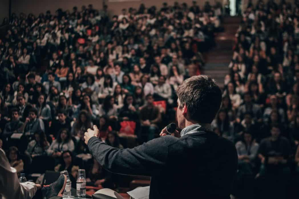 Medioker eller excellent talare?